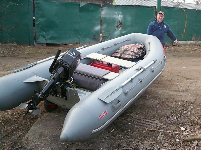 Лодки под мотор больших размеров Мнев и К Надувная моторно-гребная лодка Кайман N-380 (слань+киль)