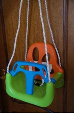 Навесное оборудование и дополнения для спортивных комплексов Самсон Качели-кресло детские пластиковые